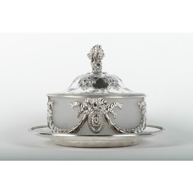 Old English Sheffield silver plated table display piece / biscuits thin / tea caddy with frosted glass insert. Just...