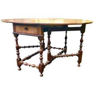 Gateleg Table Walnut William an Mary Ring an Vase Turning Philadelphia, 1720 For Sale