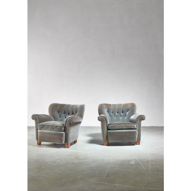 Mid-Century Modern Pair of Fresco Green Lounge Chairs, Finland, 1940s For Sale - Image 3 of 6