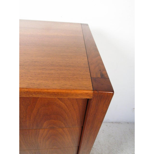 Sligh-Lowry Furniture Co. Mid-Century Walnut Dresser With Chrome Accenting by Sligh Furniture For Sale - Image 4 of 13