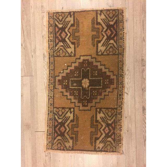 Turkish Anatolian Handwoven Rug - 1′5″ × 2′7″ For Sale In Austin - Image 6 of 6