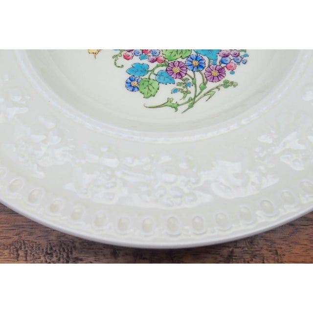 """Wedgwood Antique Wedgwood Wellesley """"Montreal"""" 8 3/4"""" Soup Bowls For Sale - Image 4 of 6"""