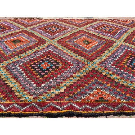 Vintage Handwoven Turkish Kilim Rug - 6'3'' x 11'' For Sale - Image 4 of 5