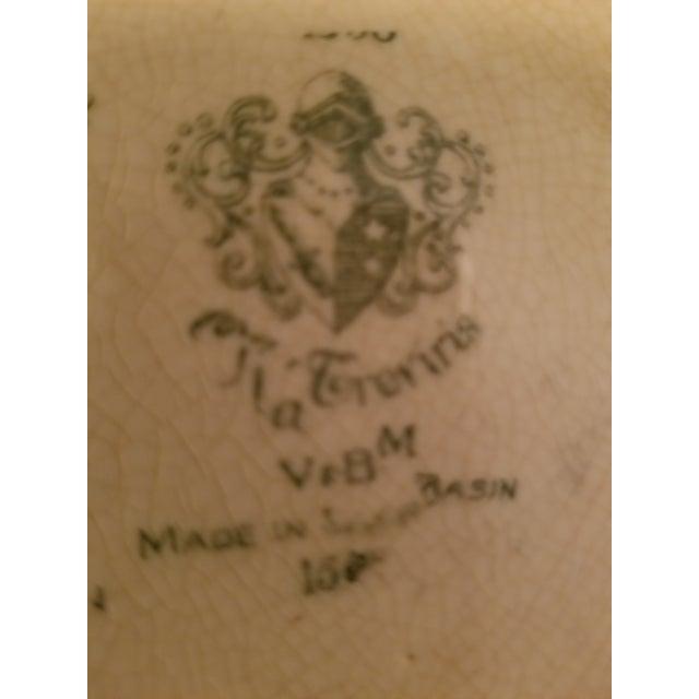"Late 19th Century European Basin Antique ""Tia Tereriris"" Earthenware Plate For Sale - Image 5 of 7"
