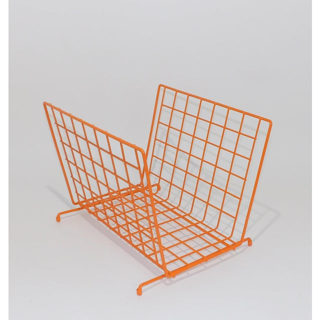 Orange Mid Century Modern Orange Wire Metal Magazine Rack For Sale - Image 8 of 8