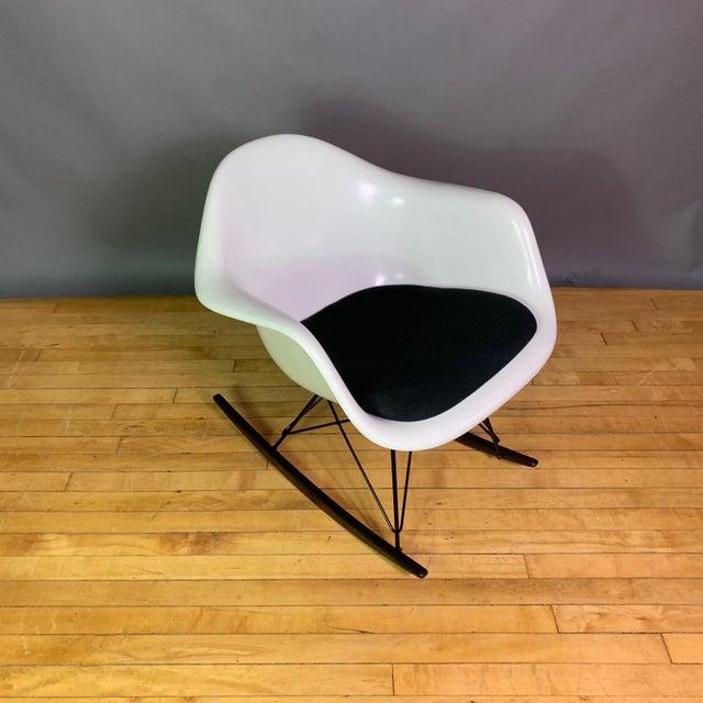 "Black Charles & Ray Eames ""Rar"" Rocker, Herman Miller For Sale - Image 8 of 11"