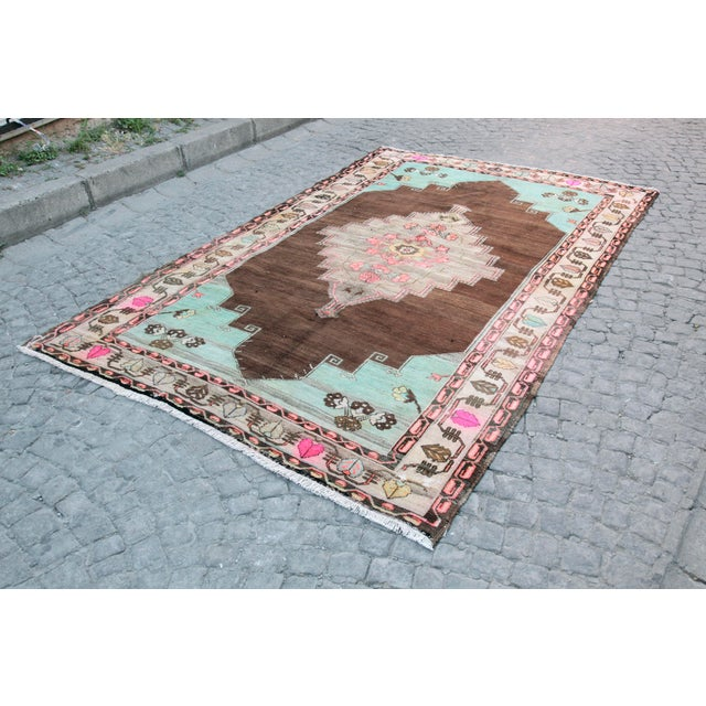 Tribal 1980s Vintage Handmade Double-Knotted Turkish Rug - 9' 6'' X 5' 11'' For Sale - Image 3 of 13