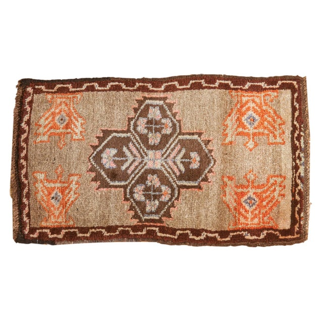 "Cotton Vintage Oushak Rug Mat - 1'7"" X 2'9"" For Sale - Image 7 of 7"