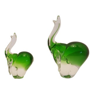 Fifth Avenue Crystal Emerald Green Paperweight Elephants - a Pair For Sale