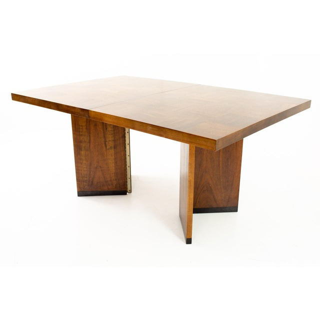 Mid-Century Modern Paul Evans Style Lane Mid Century Brutalist Patchwork Walnut Pedestal 10 Person Dining Table - Set of 3 For Sale - Image 3 of 9