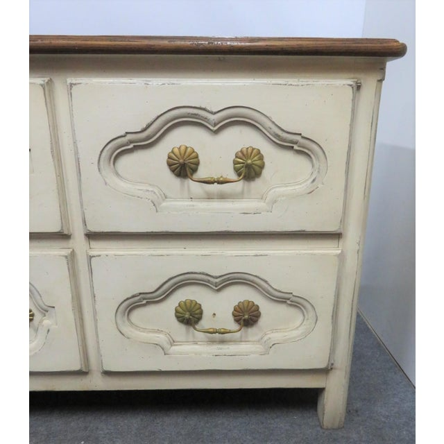 Mid 20th Century French Style Cream Painted Commode For Sale - Image 5 of 9