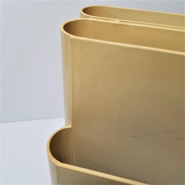 Vintage Ivory Giotto Stoppino Magazine Rack for Kartell For Sale In Chicago - Image 6 of 10