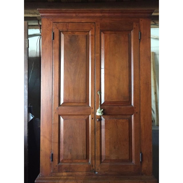 Federal 18th Century Federal Walnut Linen Press For Sale - Image 3 of 9