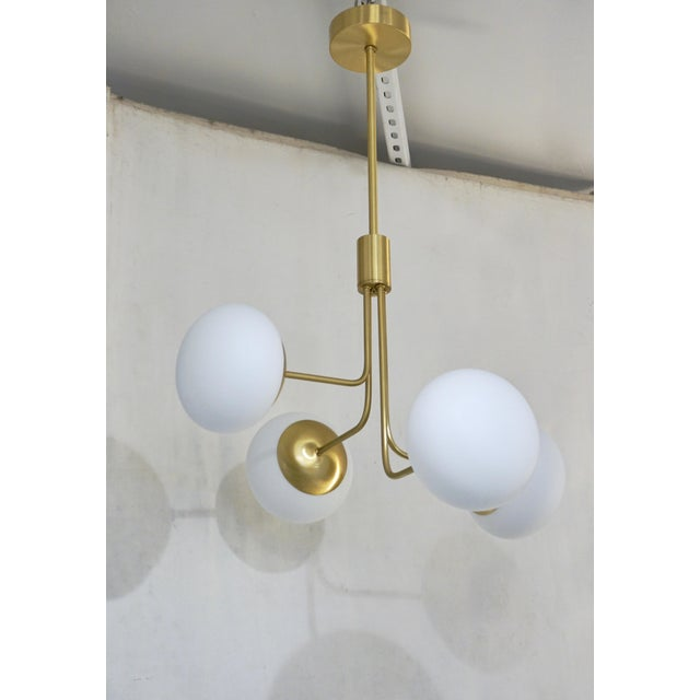 Contemporary Italian Modern Satin Brass & 4 White Murano Glass Globe Chandelier For Sale - Image 10 of 13