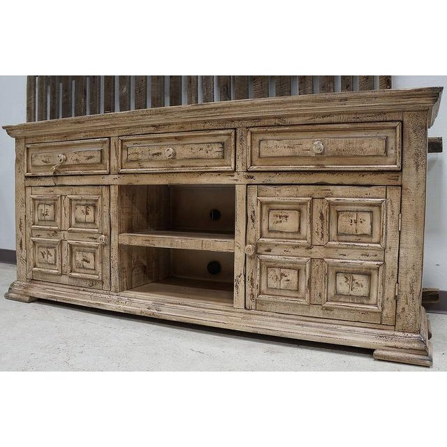 IFD Antique White Distressed Media Chest - Image 2 of 3