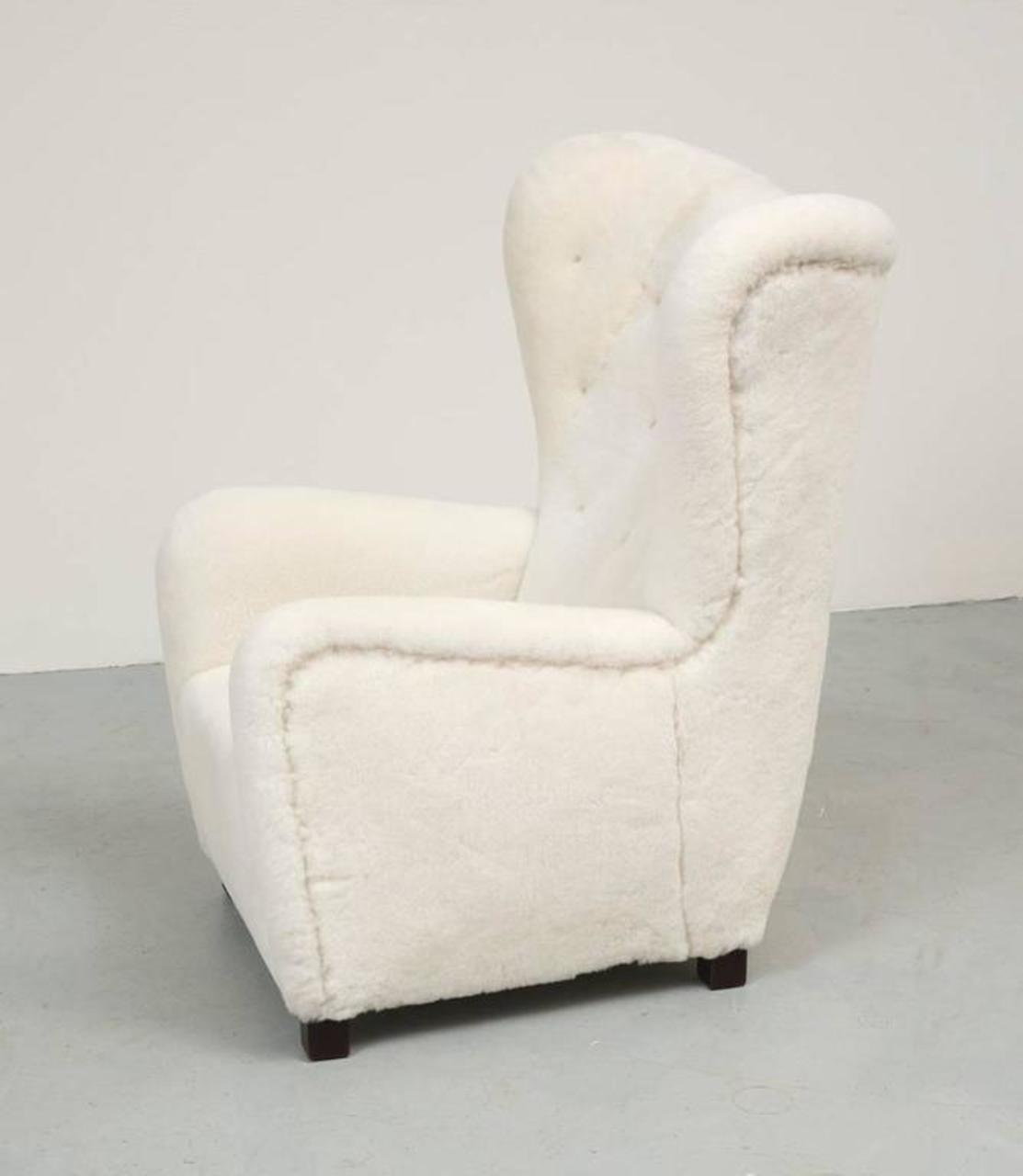 Fritz Hansen High Back Easy Chair Model 1672 In Sheepskin For Sale   Image  4 Of