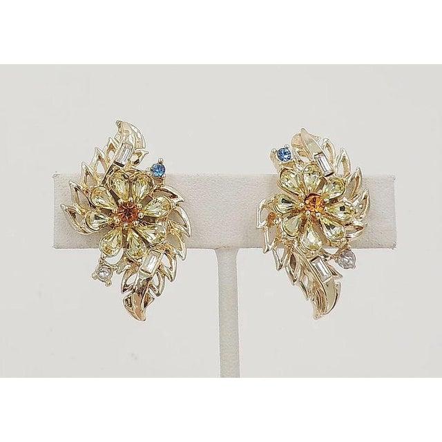 Early 1950s Corocraft Rhinestone Flower Earrings For Sale - Image 4 of 7