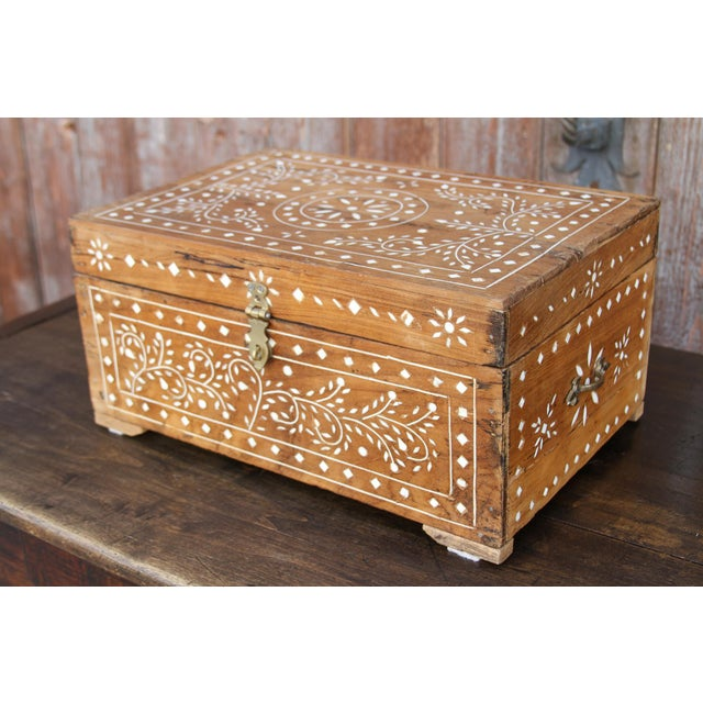 Anglo-Indian Bone Inlay Document Box For Sale - Image 4 of 10
