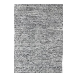 Modern Hi-Low Minimalist Design Rug in Solid White Color Pile and and Gray Weft For Sale