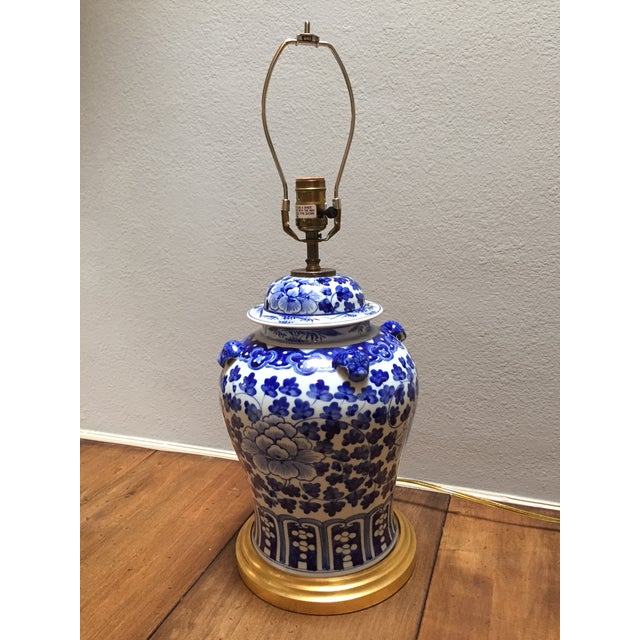 Hand Painted Blue & White Porcelain Temple Jar Table Lamp For Sale - Image 4 of 4