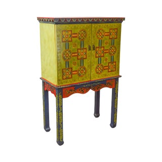 Colorful Asian Style 2 Door Liquor Bar Cabinet