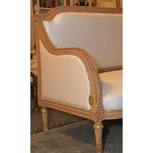 1890 Antique French Grande Settee For Sale In New Orleans - Image 6 of 9