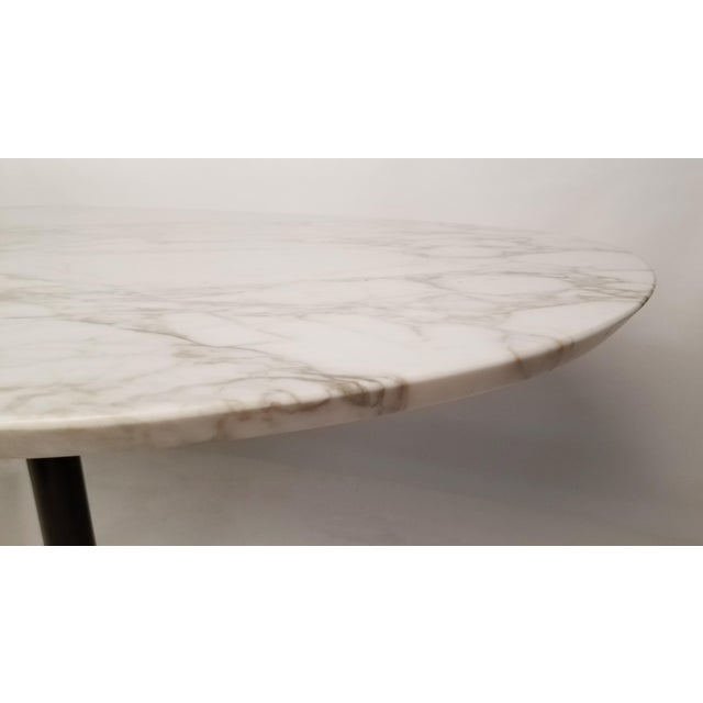 1960s Charles Eames for Herman Miller Aluminum Group Calacatta Marble Table Desk For Sale - Image 5 of 8