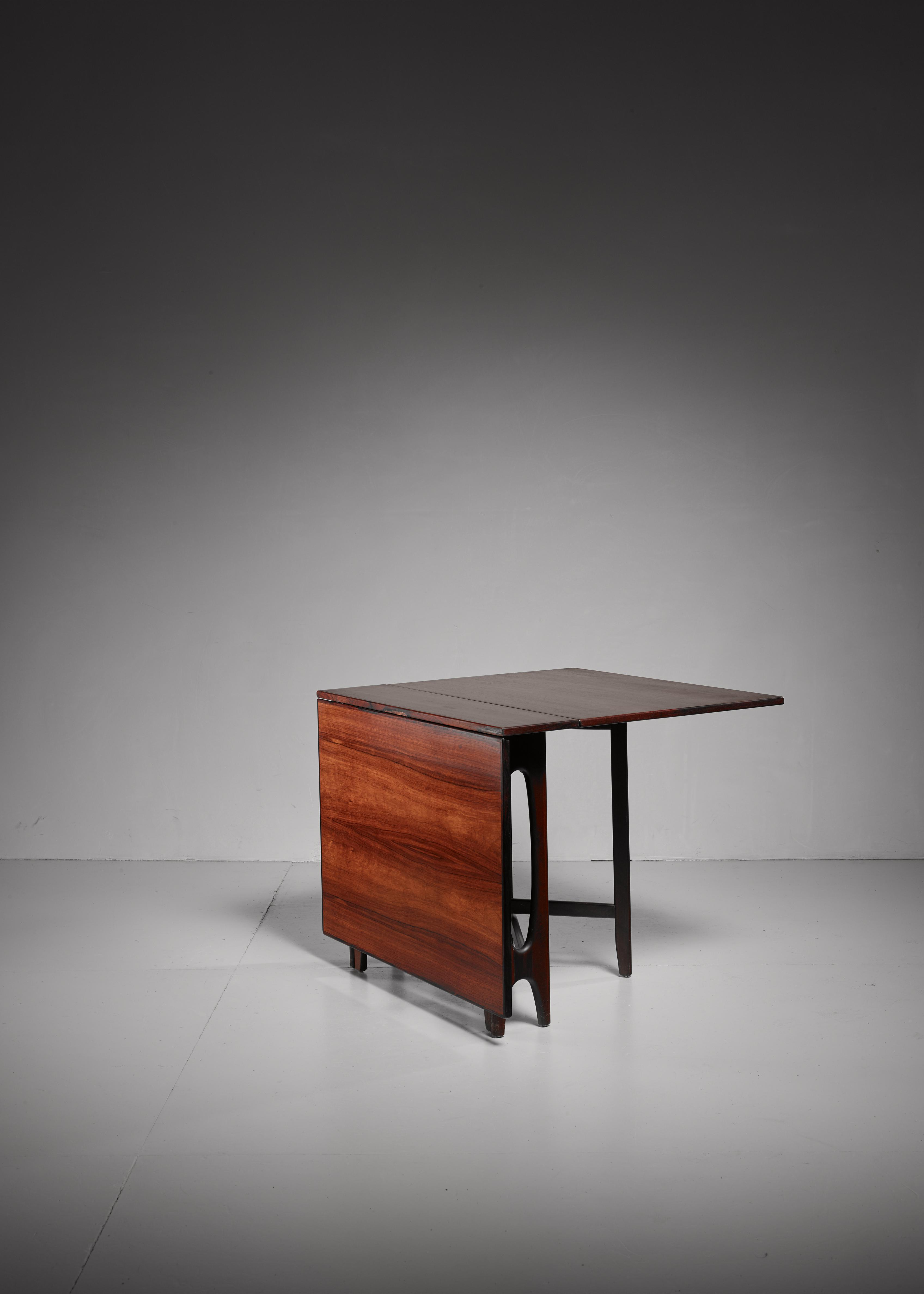 Mid Century Modern Scandinavian Rosewood Drop Leaf Gateleg Table For Sale    Image 3