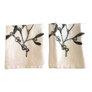 Mistletoe German Linen Napkins, Set of 2 For Sale