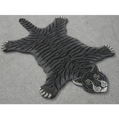 Modern Hand-Tufted Tiger Skin Shape Wool Rug - 3' x 5' - Image 3 of 6