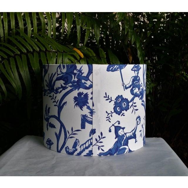Metal Cobalt Blue White Cotton Duralee Suri Fabric Drum Lampshade For Sale - Image 7 of 11