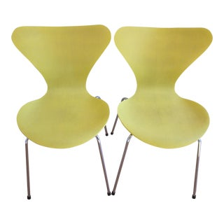 "Fritz Hansen Arne Jacobsen ""Series 7"" Dining Chairs - a Pair"