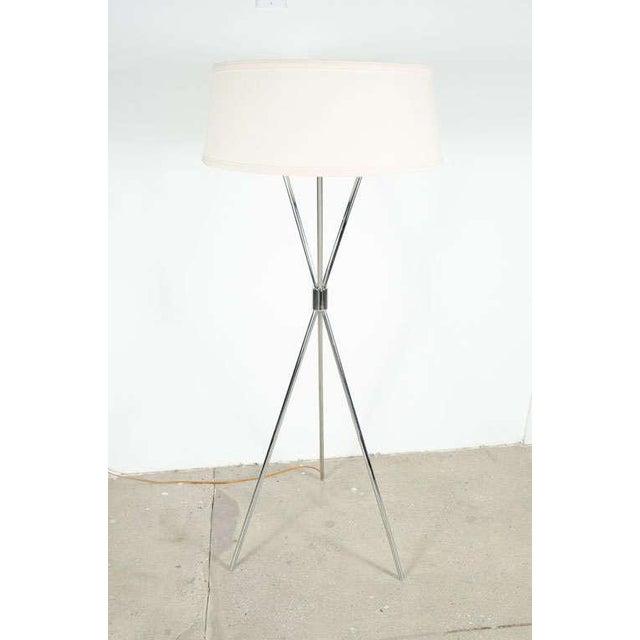 Mid-Century Modern T.H. Robsjohn-Gibbings Polished Chrome Tripod Reading Lamp For Sale - Image 3 of 7