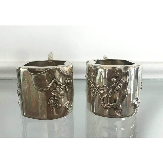 Chinese Export Sterling Silver Creamer and Sugar Luen Wo - A Pair For Sale - Image 4 of 10