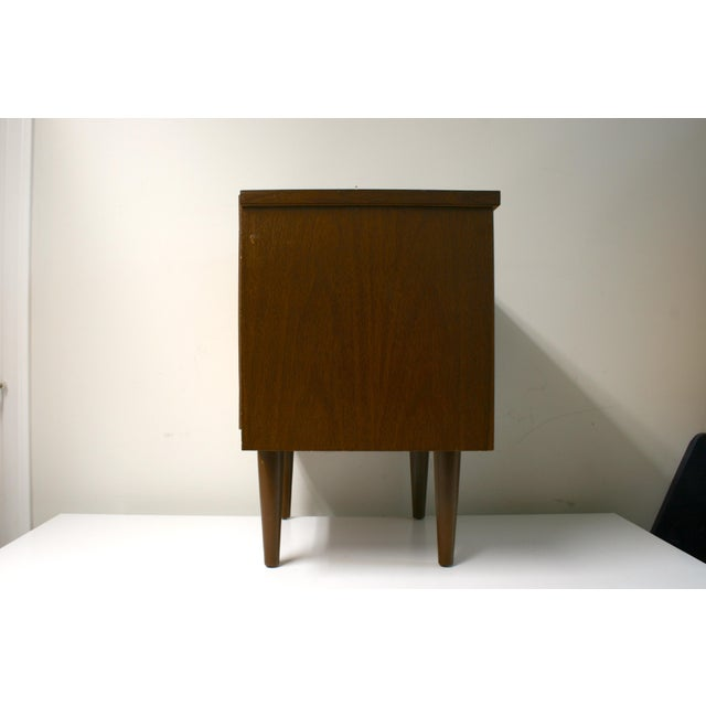 Mid Century Modern 2-Drawer Nightstand For Sale In Seattle - Image 6 of 9