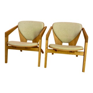 Hans Wegner for Getama Ge 460 Butterfly Easy Chairs in Oiled Oak - a Pair For Sale