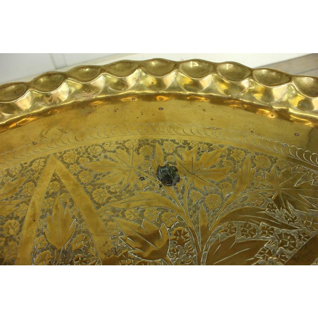 Hollywood Regency Vintage Hollywood Regency Spider Style Brass Folding Tray Coffee Table For Sale - Image 3 of 8