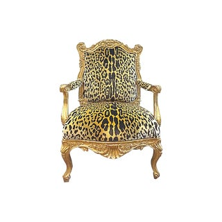 1900s Antique Rococo-Style Carved Giltwood Armchair For Sale