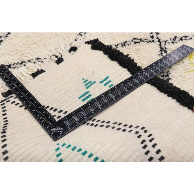 2010s Moroccan Contemporary Berber Azilal Rug - 06'01 X 09'01 For Sale - Image 5 of 10