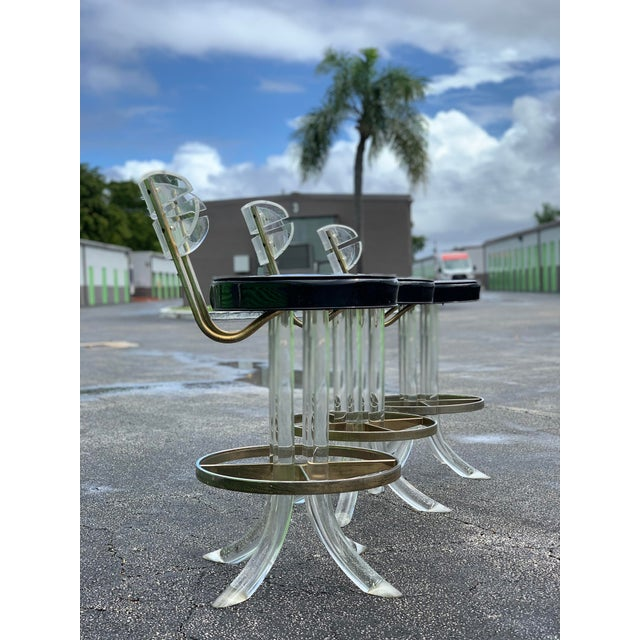 1970s 1970s Hill Mfg Lucite Swivel Barstools - Set of 3 For Sale - Image 5 of 12