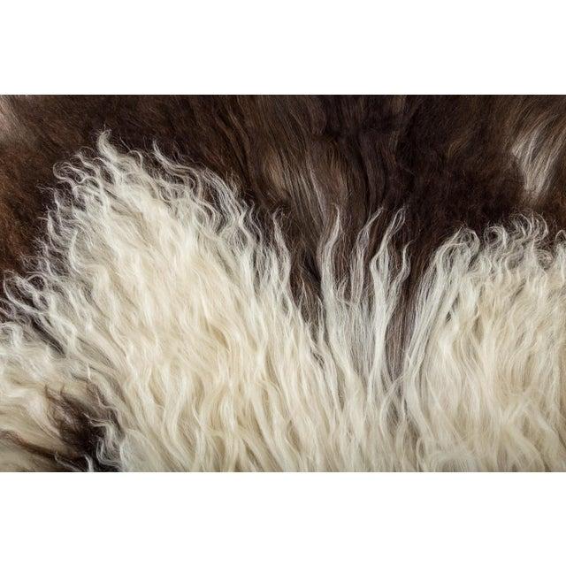"2010's Modern Natural Sheepskin Pelt Rug - 1'10""x3'7"" For Sale In Chicago - Image 6 of 7"