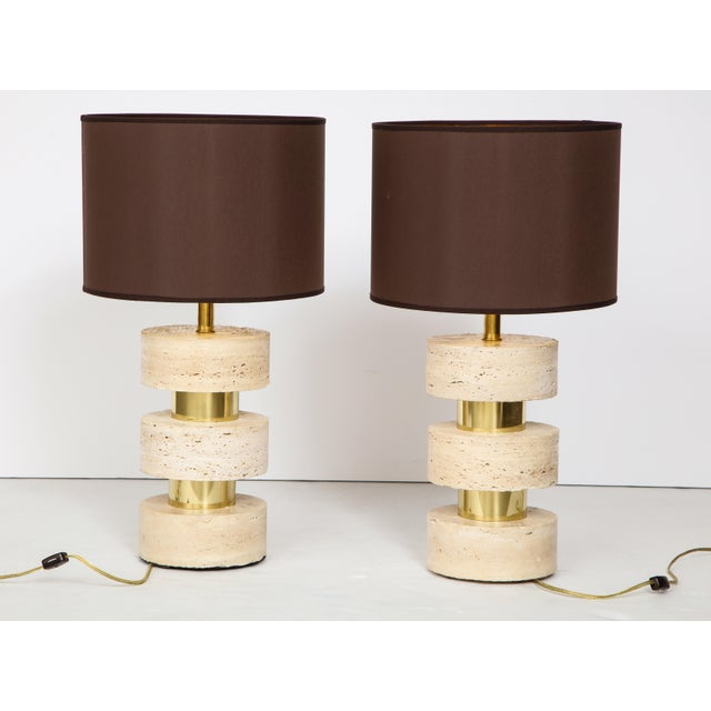 1970s Pair of Italian 1970s Travertine and Brass Table Lamps For Sale - Image 5 of 8