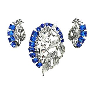 Star Blue Baguette Brooch & Earrings For Sale