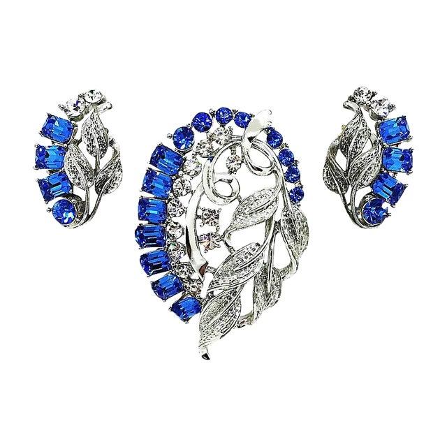 Star Blue Baguette Brooch & Earrings For Sale
