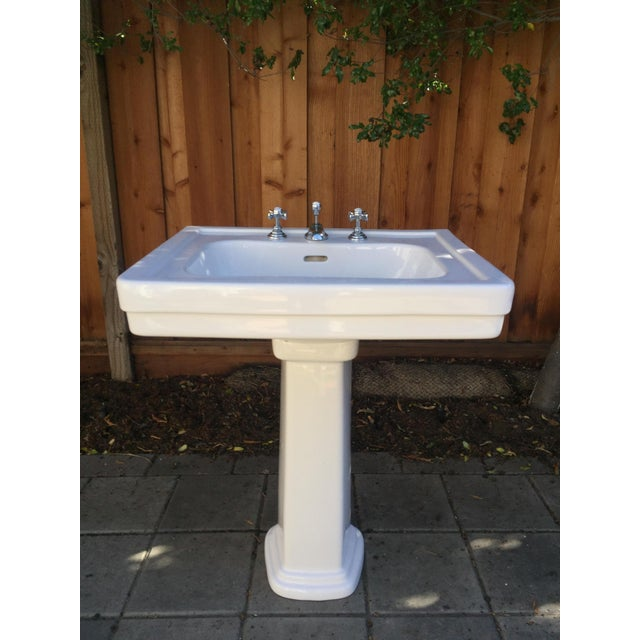 Traditional Toto Promenade Pedestal Sink - Image 2 of 5