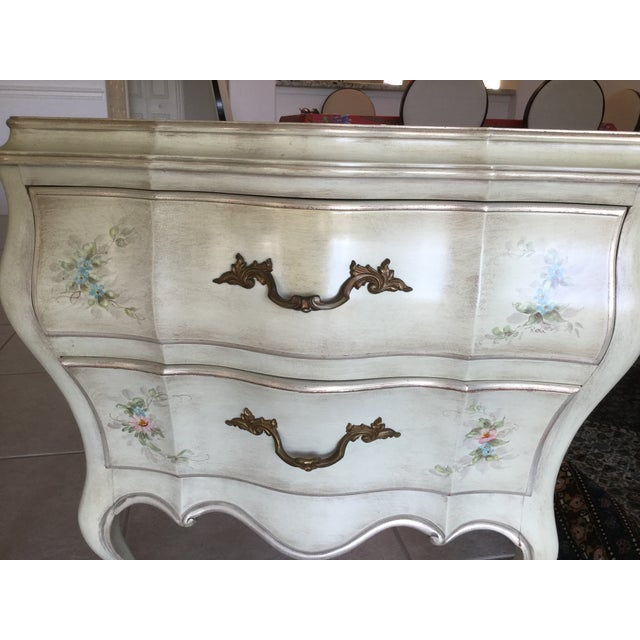 Louis XV Painted French Style Bombe Chests - a Pair - Image 4 of 9