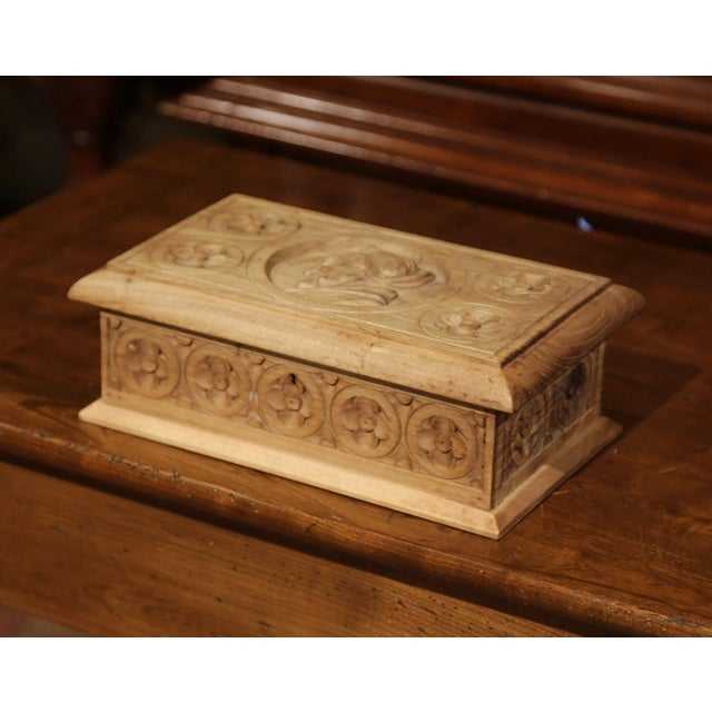 Early 20th Century Early 20th Century French Carved Chestnut Box From Brittany Signed E. Bayon For Sale - Image 5 of 10