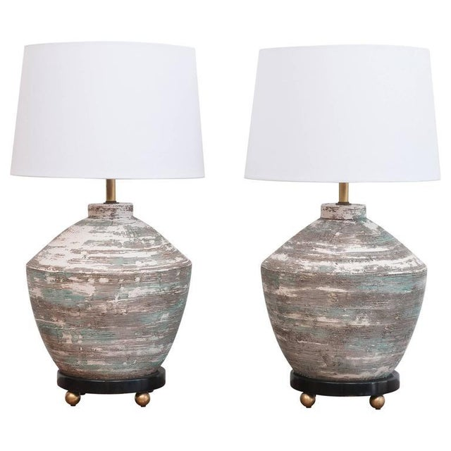 White 1950s Ceramic Lamps - A Pair For Sale - Image 8 of 8