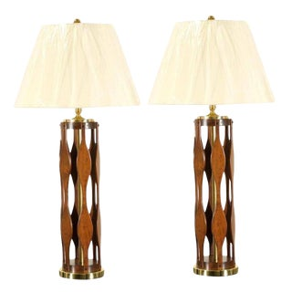 Restored Pair of Italian Modern Lamps in Walnut and Brass For Sale