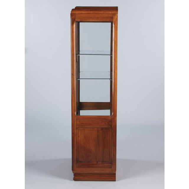 1930s 1930s Art Deco Walnut Vitrine/Display Cabinet For Sale - Image 5 of 13